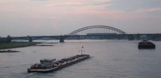 Waal bij Nijmegen - cc