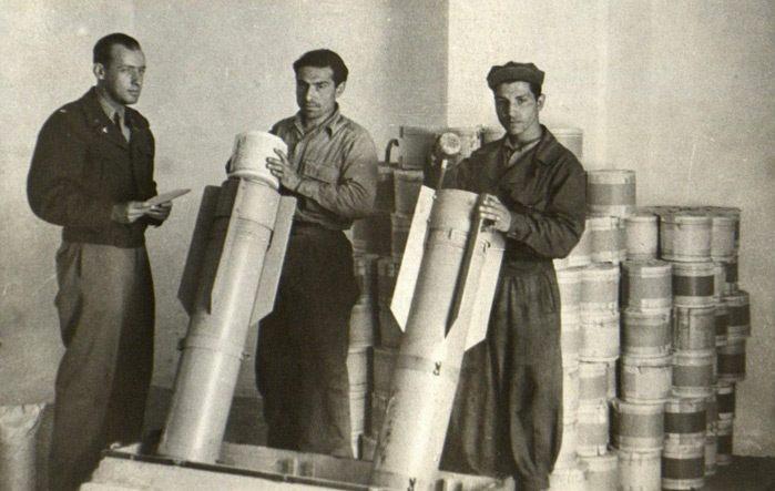 Geallieerden stoppen het blaadje Das neue Deutschland in bommen