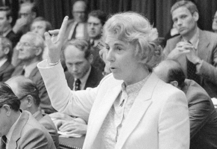 Minister Gardeniers tijdens haar beediging. Foto: Nationaal archief