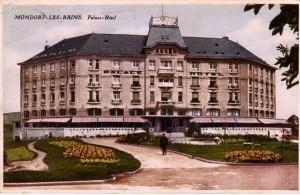 """Im luxemburgischen Badeort Mondorf-Les-Bains richteten die Alliierten nach dem Ende des Zweiten Weltkriegs ein von der Öffentlichkeit streng abgeschirmtes """"Interrogation Center"""" ein. Es waren keine Badegäste, sondern die Hauptangeklagten der Nürnberger Prozesse wie Hermann Göring, Joachim von Ribbentrop, Albert Speer und Julius Streicher, die in dem Hotel untergebracht wurden, bis ein Ort für die Prozesse gefunden war."""