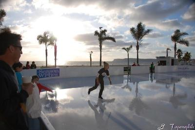 dsc_0226-skating-at-the-beach.jpg