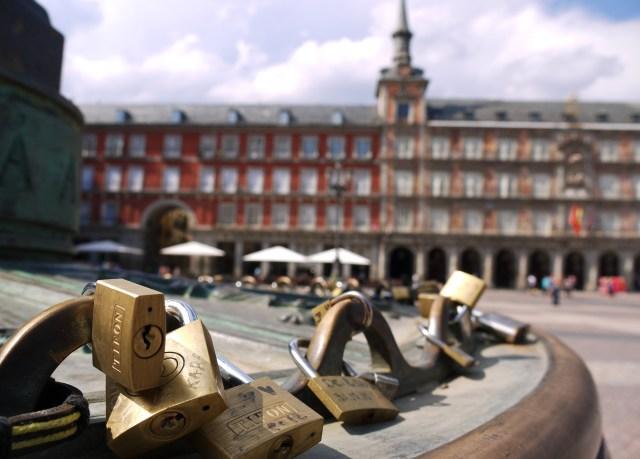 Padlocks attached to the fence of the statue of Felipe III, Plaza Mayor - Madrid, Spain (17)