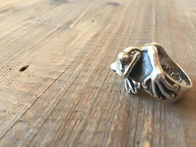 カエルのリング