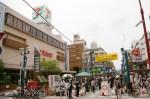 イトーヨーカドー前の「パデュ中央広場」で開かれる恒例のフリーマーケット