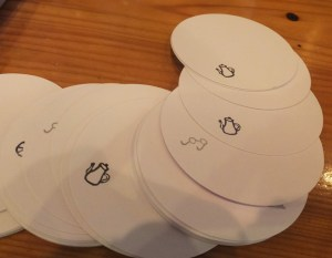 コースターも健一さん手作りの印を使用し自作しているとのこと