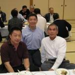 〔左起〕Seetoh師範,梁伯偉師父和川田師範攝於歡迎晚宴上。