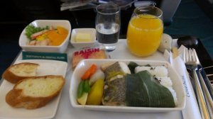 Cathay Business class meal served from FUK - TPE. TPE - HKG was about the same, different selection though.