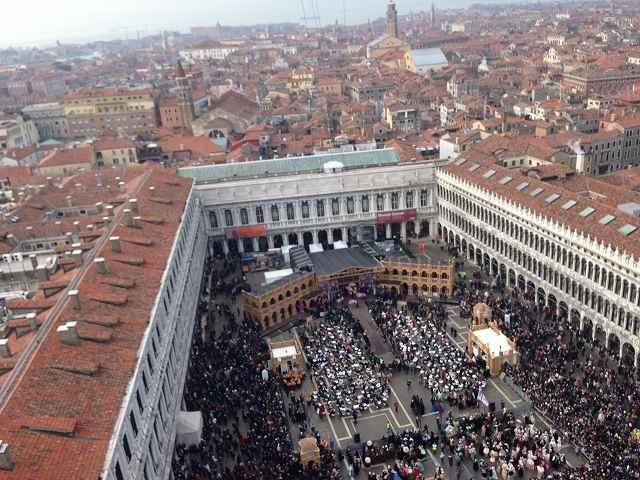 ヴェネツィア観光でカーニバル中に時計台に登ってみた⑦