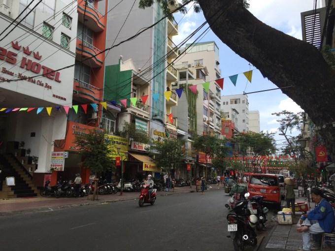 ベトナムホーチミンで快適に安くお土産を買う方法はファングーラオ通りに行け!⑧