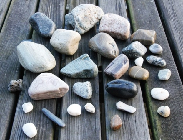 wet look pebbles