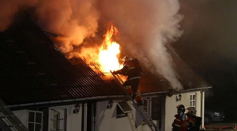 Voldsom brand hærgede i villa
