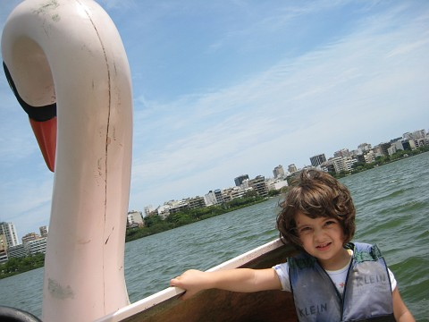 Eu e minha filha no pedalinho da Lagoa Rodrigo de Freitas