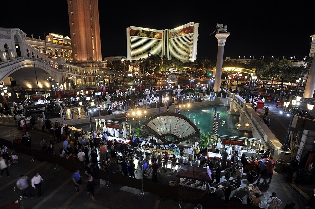 las vegas the-night-market-east-meets-west-at-the-venetian-4-HR