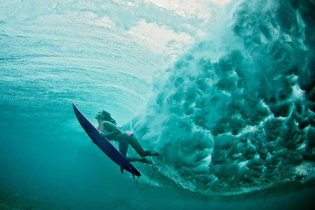 maya-gabeira-at-red-bull-surfing-HOMBRE Magazine 3