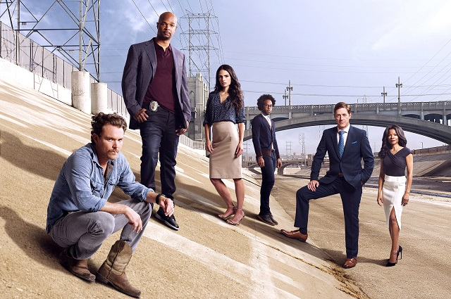 LETHAL WEAPON: Pictured L-R: Clayne Crawford, Damon Wayans Sr., Jordana Brewster, Johnathan Fernandez, Kevin Rahm and Keesha Sharp on LETHAL WEAPON premiering Wednesday, Sept. 21 (8:00-9:00 PM ET/PT) on FOX. ©2016 Fox Broadcasting Co. CR: Brian Bowen Smith/FOX