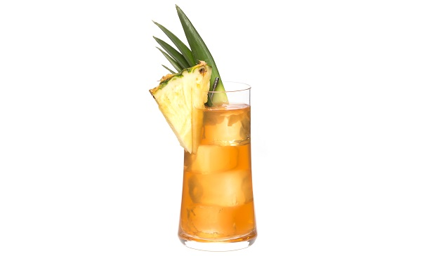 Hennessy Pineapple Spritz _ WHT