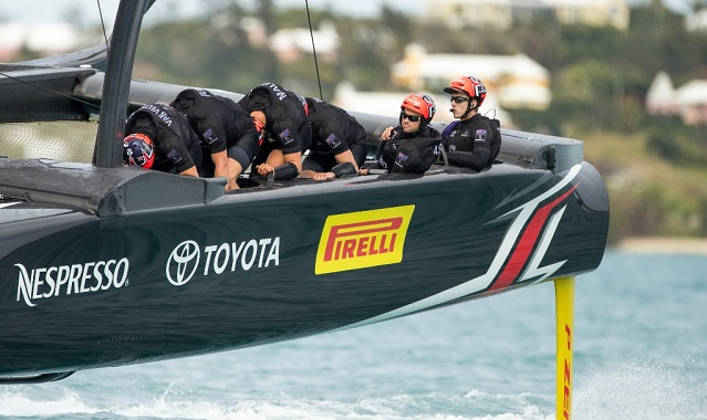 Pirelli sponsors Emirates Team New Zealand-1
