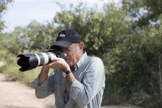 Earth Live Creator & Executive Producer Al Berman looking through the camera lens. (Photo: National Geographic/Graham Wallington)