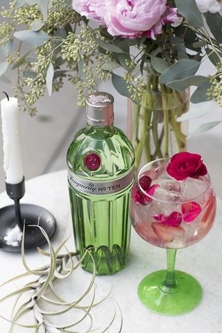 Valentine's Day cocktails for HOMBRE Magazine (Copy)