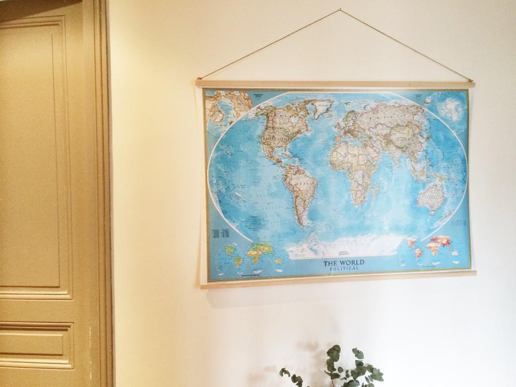 faire un cadre pour sa map monde homemyway. Black Bedroom Furniture Sets. Home Design Ideas