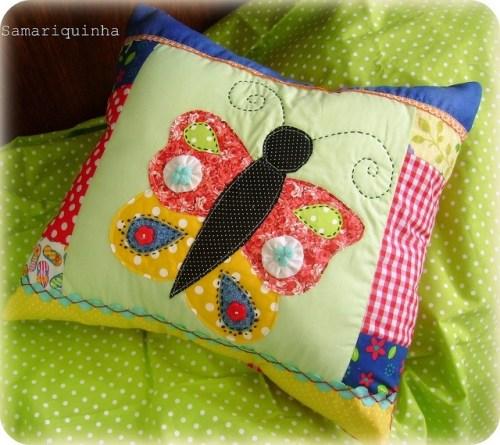 Идея подушки с аппликацией бабочки