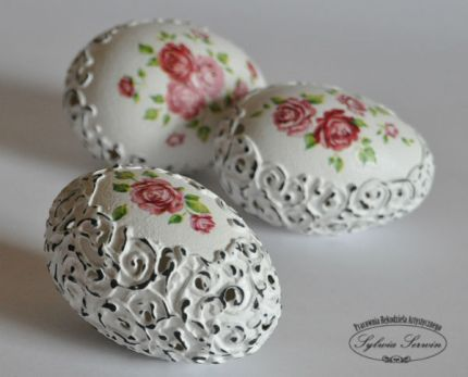 Gorgeous Shabby Chic Easter Egg (the actual tutorial link, not just photos!) @craftgossip