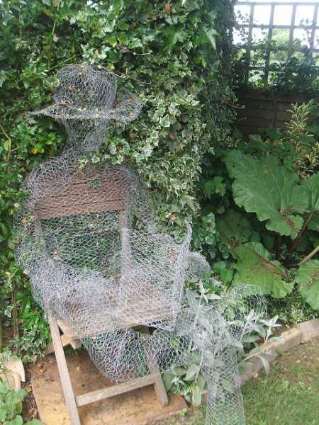 How to make chicken wire ghosts home and garden