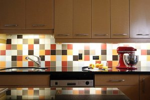 Bright Kitchen Backsplash Ideas