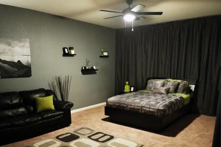 13 intimate room