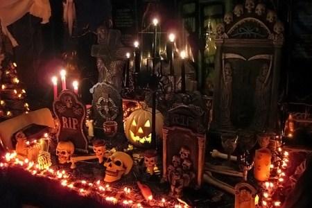 2 halloween decor interior3
