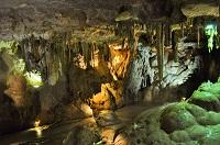 nature-france-rocks-caves 200