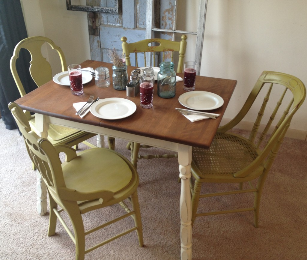 small country kitchen tables country kitchen tables Small country kitchen tables