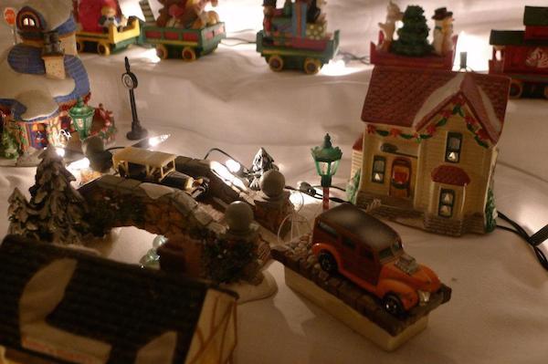 Homemade Parties Christmas House21
