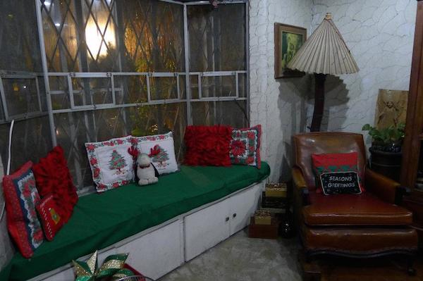 Homemade Parties Christmas House35