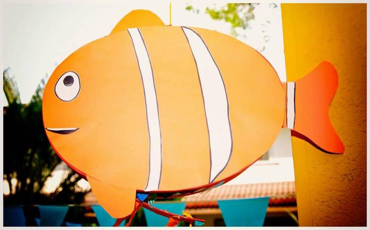 Homemade Parties DIY Finding Nemo Dory _ Russel02