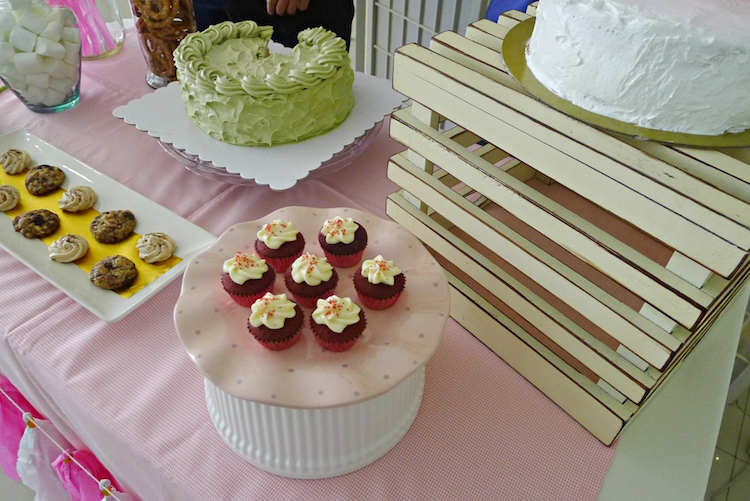 Homemade Parties How to do DIY Dessert Table 05