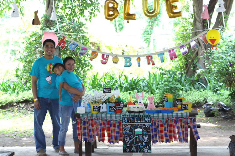 Homemade Parties DIY Party _Farm Party Blue09