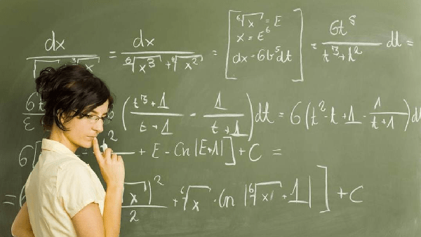 Mathematical Minds: 4 Best Degrees for Math Geniuses