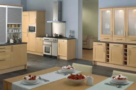 home de kitchen design tool depicting a modern kitchen with wood material dominance