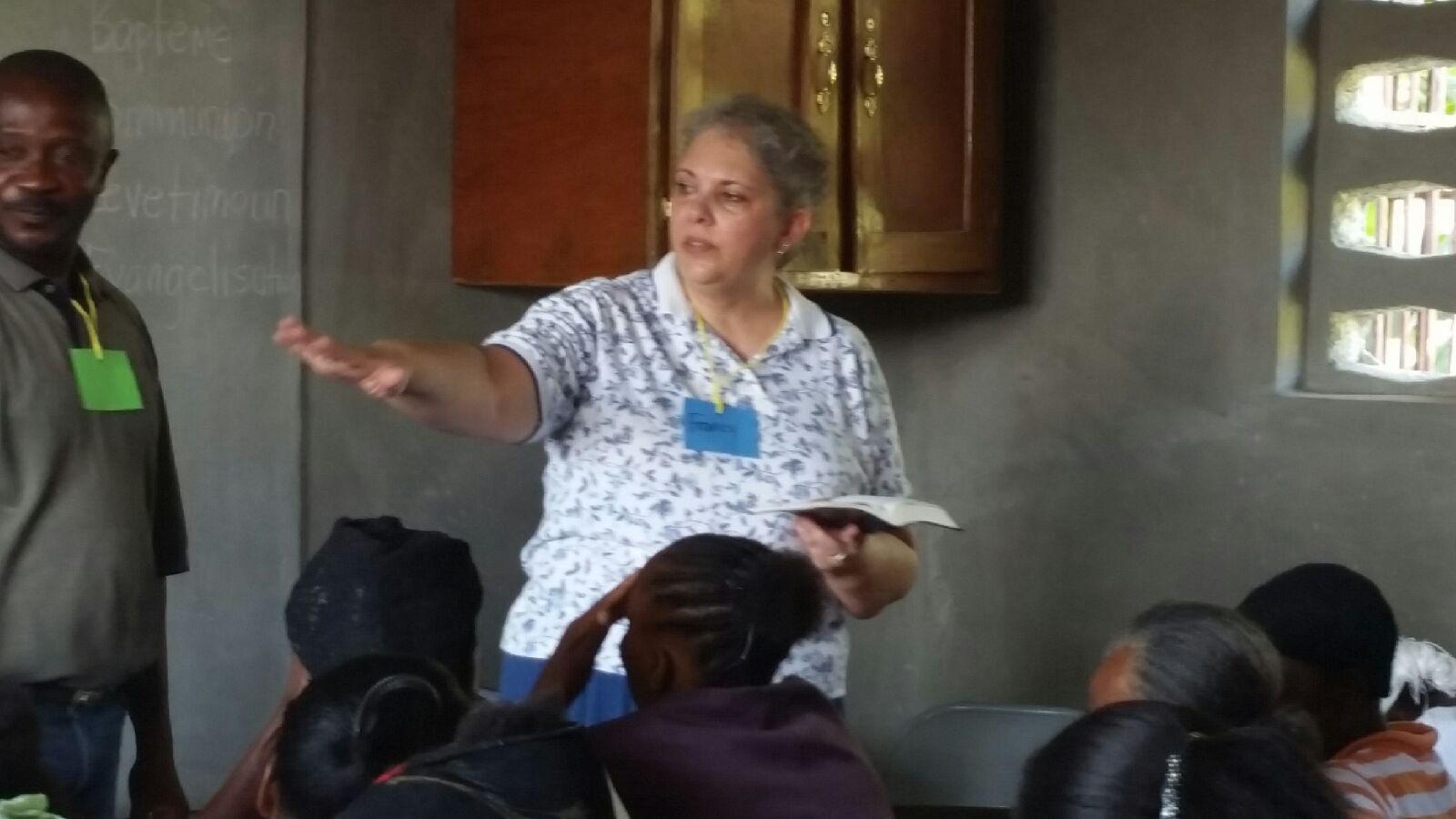 Francy teaching women.