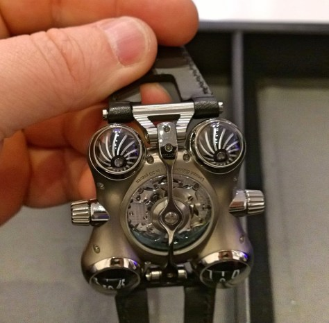 Space Pirate de MB & F - turbinas