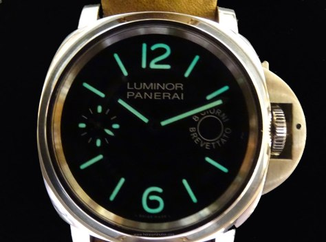 Panerai Luminor Marina 8 days SuperLuminova