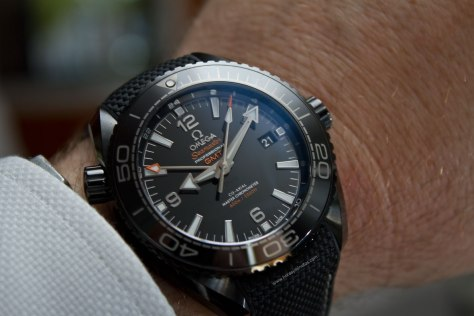 Omega-Seamaster-Planet-Ocean-Deep-Black-22-Horasyminutos