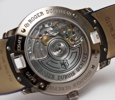 Roger-Dubuis-Velvet-by-Massaro-calibre-RD821-Horasyminutos