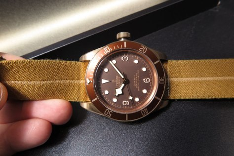 Tudor-Heritage-Black-Bay-Bronze-12-Horasyminutos