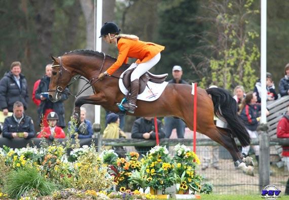 Dutch team member Babette Kuijpers with Cosmo's Van Orchid.