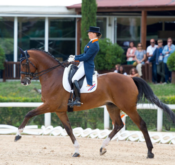 Anne Meulendijks and President's MDH Avanti won the individual and freestyle young riders championships.