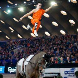 Vaulter's massive jump seals win at Mechelen World Cup leg