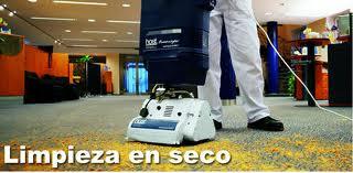 limpieza profesional de alfombras en seco