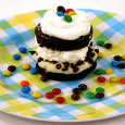 Ding Dong Dessert Sandwich Items Needed: 1 box Hostess Ding Dongs 4 oz. cream cheese 3/4 c. powdered sugar 6 oz. whipped topping 1 small pkg. white chocolate (chocolate or […]
